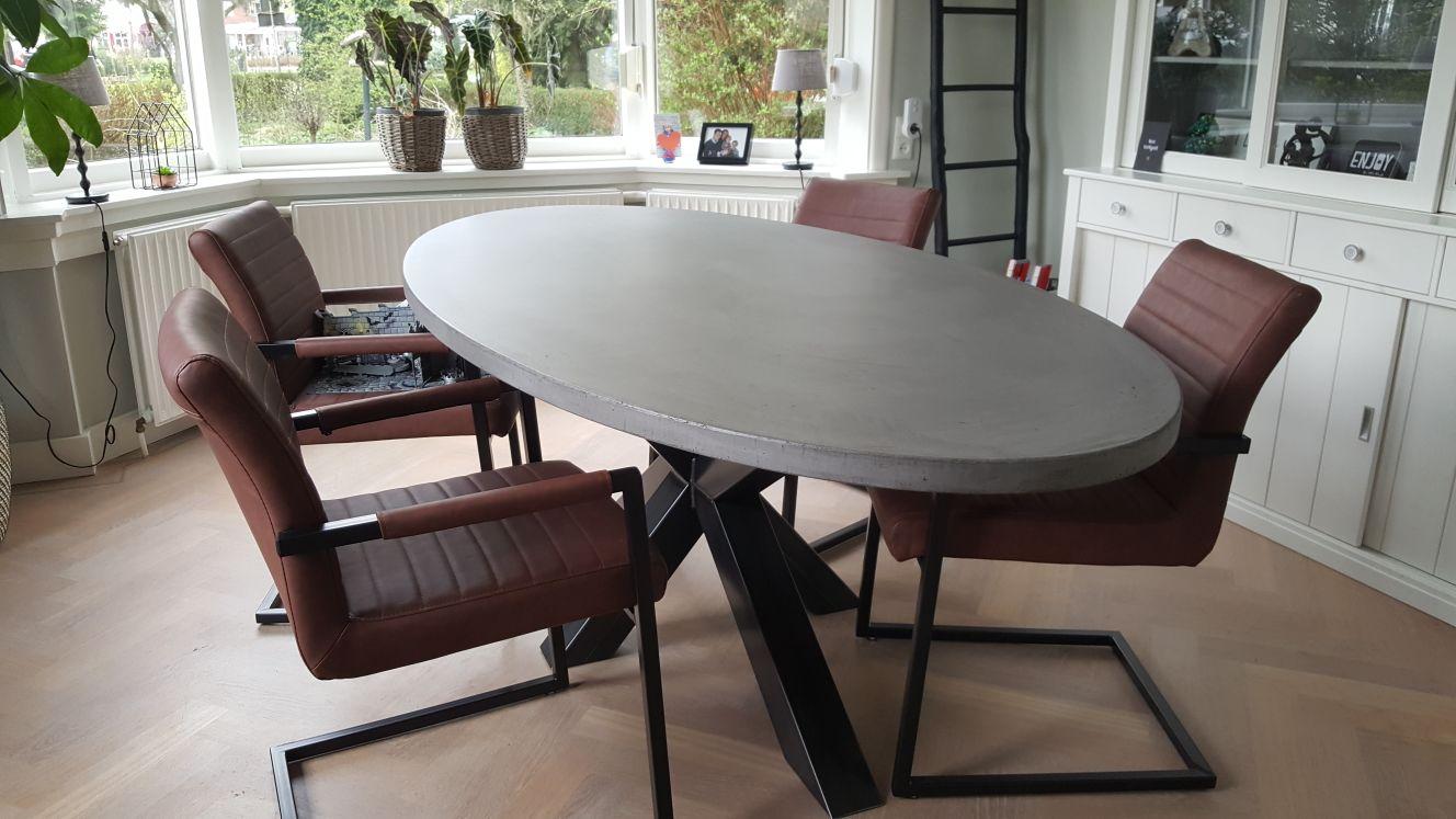 Betonlook tafel ovaal 220 110 lok living for Tafel ovaal