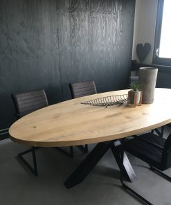 eiken tafel ovaal