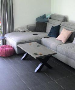 salontafel betonlook met X poot