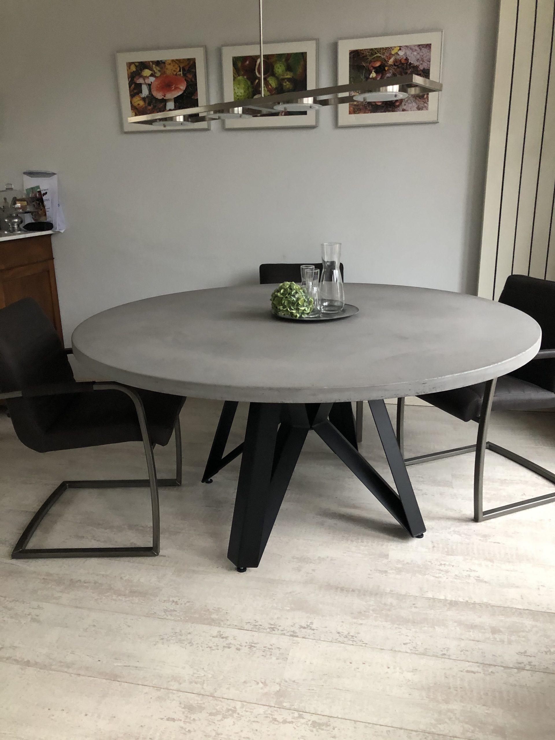 betonlook ronde tafel met star poot groot