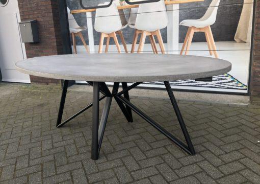 betonlook tafel ovaal met ovale poot