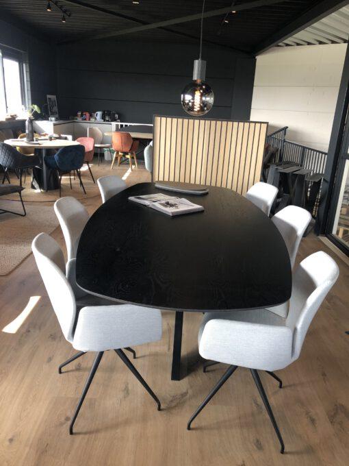 zwarte eiken fineer tafel deens ovaal